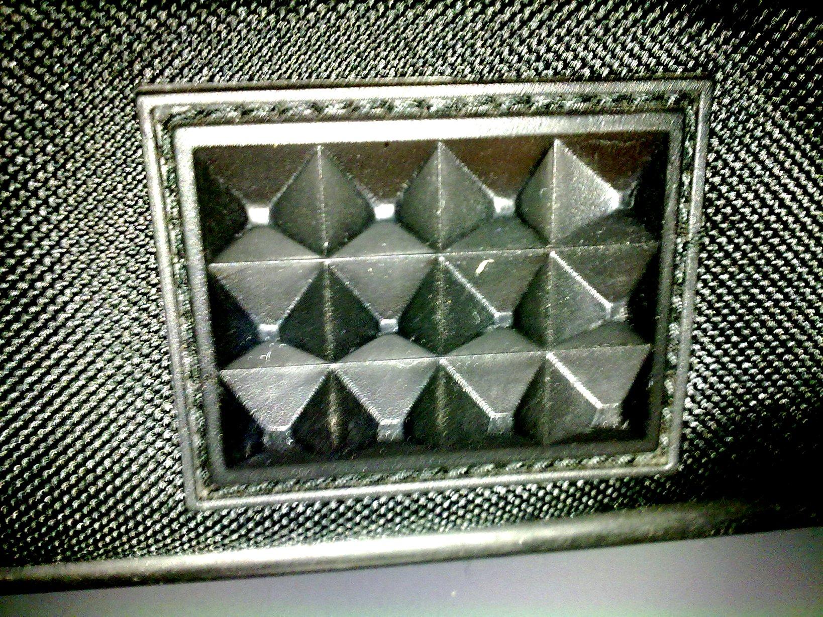 Patas del maletín del portátil